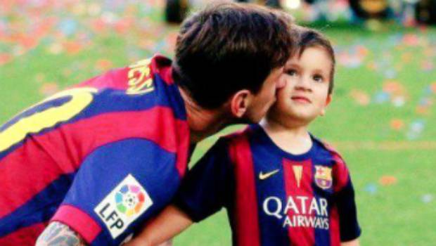 Messi y su hijo Thiago presentes en el Camp Nou
