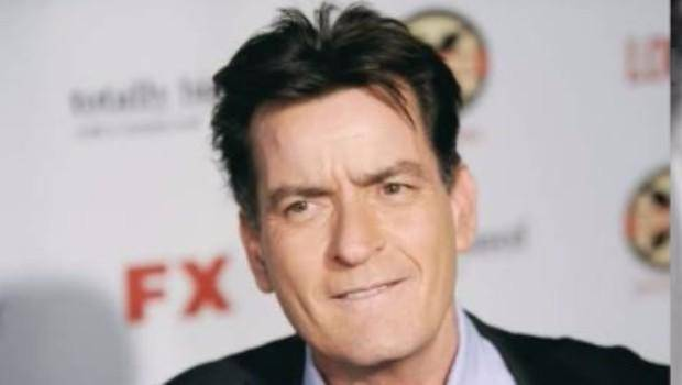 El actor Charlie Sheen revelaría mañana que es portador  del VIH, según  The National Enquirer.