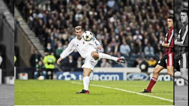 Zinedine Zidane en la Final de la Champions League 2002