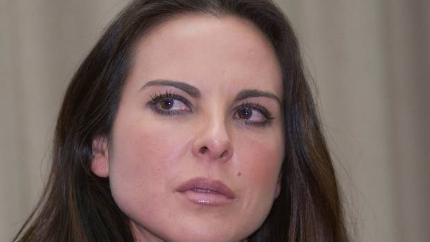 Kate del Castillo. Multa a PGR.