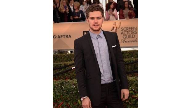confirman a finn jones como iron fist. Black Bedroom Furniture Sets. Home Design Ideas