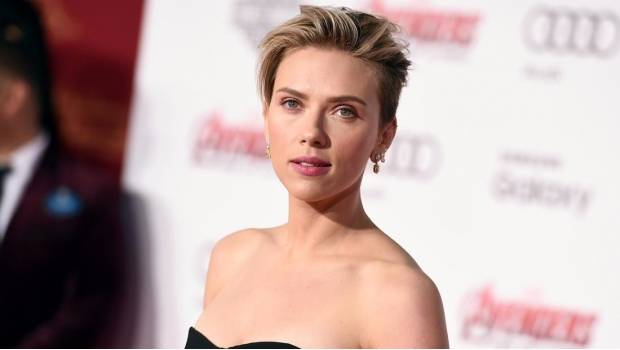Is scarlett johansson gay