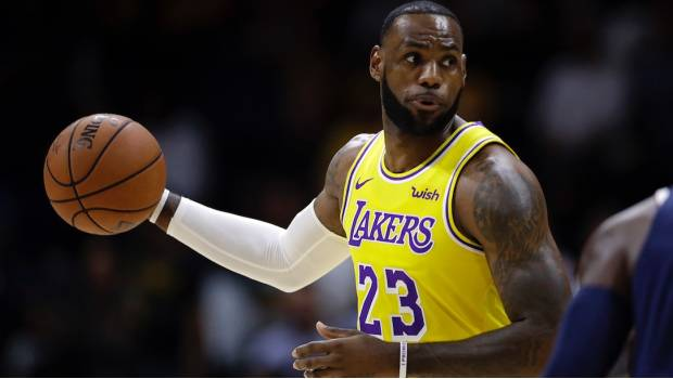 LeBron tuvo su debut con los Lakers