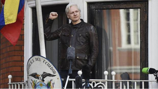 EU prepara juicio y extradición de Assange: Wall Street Journal