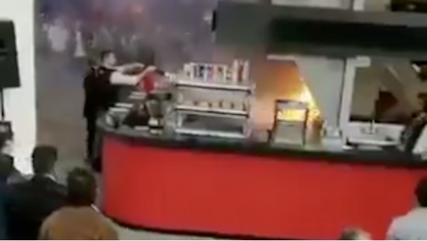 VIDEO: Se registra incendio al interior de Auditorio Nacional. Noticias en tiempo real